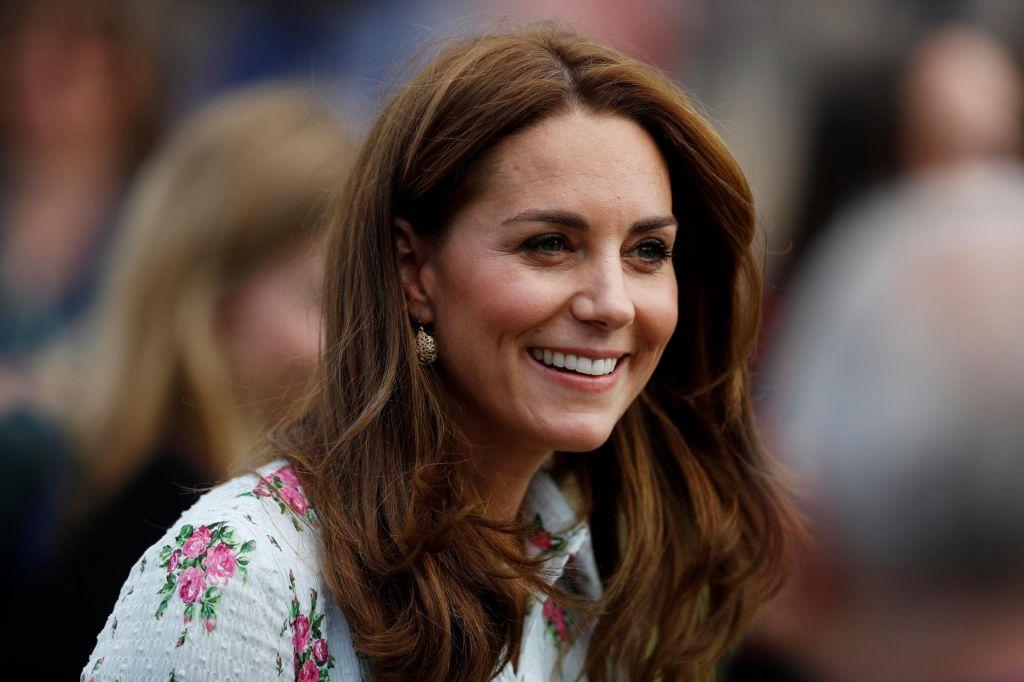 Kate Middleton s poceni uhani o neprecenljivih starih starših