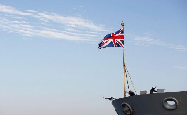 Ladja kraljeve mornarice HMS Bulwark med postankom v izraelskem pristanišču Haifa FOTO: Reuters
