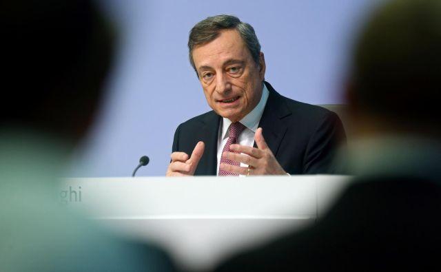 Dejstvo, da bo Mario Draghi po osmih letih zapustil vrhovni položaj v ECB, ne da bi enkrat samkrat zvišal obrestne mere, po mnenju Mitje Gasparija kaže, »kako slabo sta v Evropi usklajeni denarna in fiskalna politika«. Foto Reuters