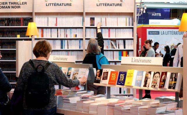 Knjige, knjige, knjige ... Biseri med njimi se vedno zalesketajo.Foto Reuters