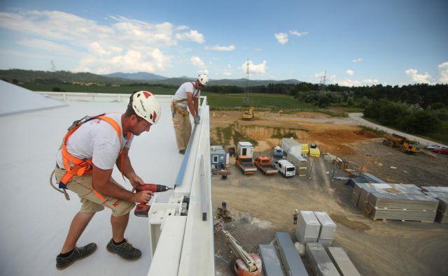 Slovensko gospodarstvo se letos ohlaja, proračun 2020 bo treba prilagoditi navzdol za sto milijonov evrov. FOTO: Jure Eržen/Delo