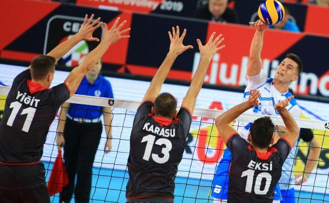 Klemen Čebulj proti Finski ni igral, odlično zdravje pa je potrdil proti Turčiji. FOTO: Tomi Lombar