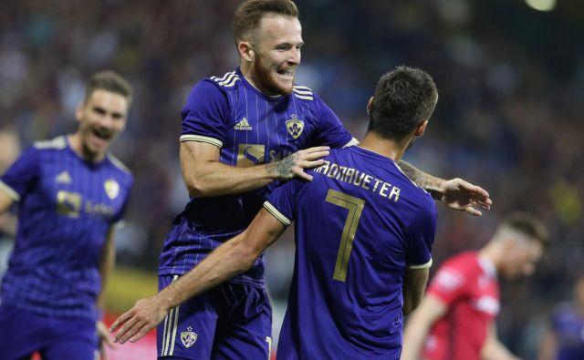 Dino Hotić in Rok Kronaveter sta bila strelca za Maribor, ki je vodilnemu Aluminiju prizadejal prvi ligaški poraz. FOTO: Tomi Lombar
