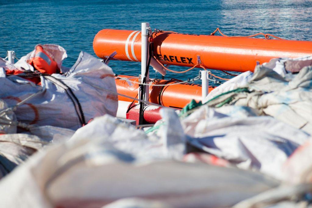 Italija dovolila izkrcanje 82 migrantom z ladje Ocean Viking