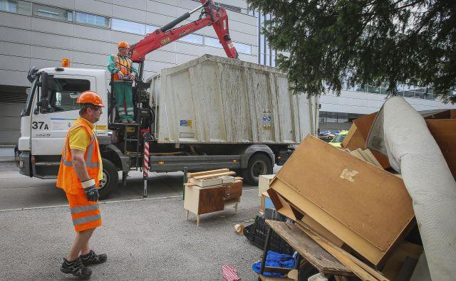 Ljubljančani lahko brezplačni odvoz kosovnega materiala naročijo enkrat na leto, ne glede na razpisani termin. Foto: Jože Suhadolnik