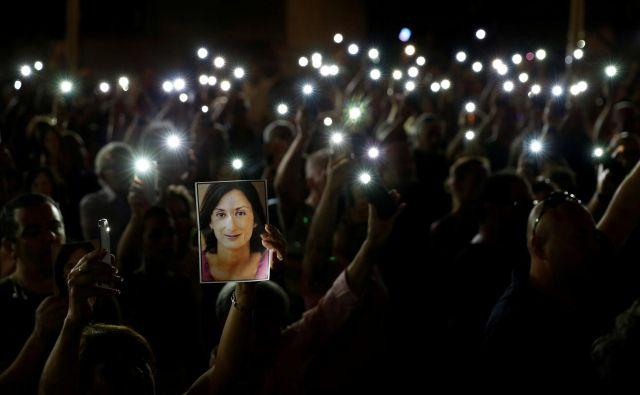 Umor preiskovalne novinarke Dafne Caruana Galizia pred slabima dvema letoma pooseblja skoraj vse, kar je na Malti narobe. FOTO: Reuters