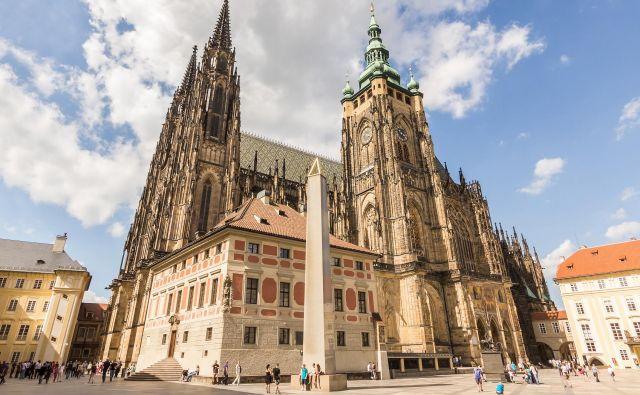 Znameniti Plečnikov obelisk na dvorišču praškega gradu Foto: Turizem Praga