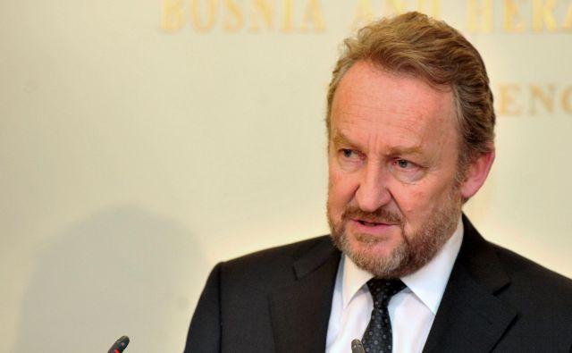 Bakir Izetbegovič je bil kot edini kandidat ponovno izvoljen za predsednika vladajoče bošnjaške stranke SDA. FOTO: Elvis Barukčić/AFP