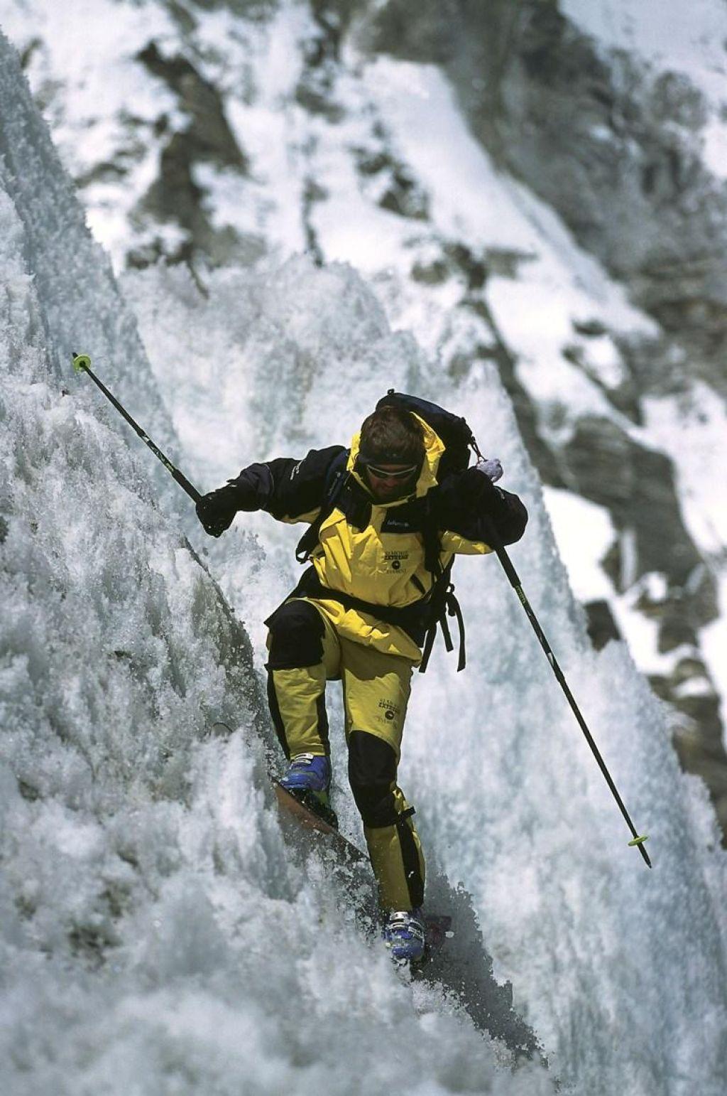 Pri podiranju drevesa se je smrtno ponesrečil sloviti alpinist Davo Karničar