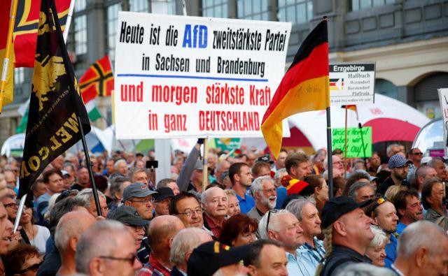 Skrajno desna AfD je čedalje močnejša. Foto: Reuters