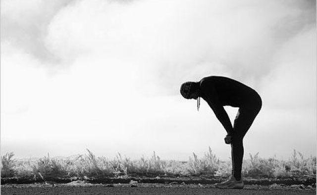 Ne le da uživamo v gibanju, srečni smo, ko garamo in se po hudem <strong>treningu </strong>čisto zdelani zleknemo na kavč. Le da nas zadnji čas telo ne uboga preveč. Foto: Shutterstock