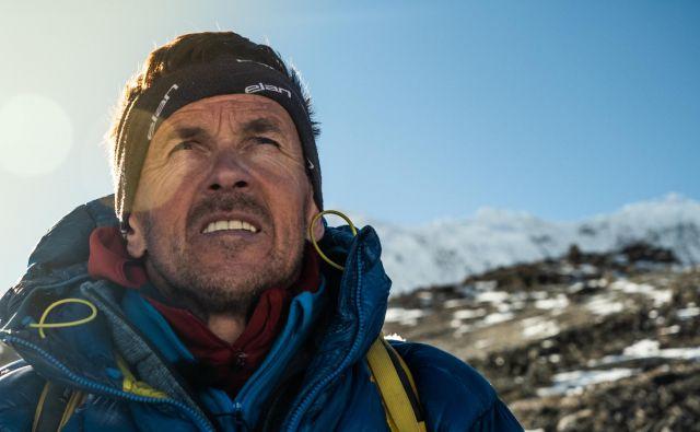 Davo na Kalla Patarju, ko je po dolgem času ugledal Everest in se spominjal spusta izpred skoraj 20 let. FOTO: Rožle Bregar