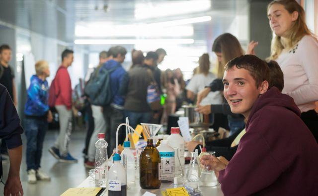 Na sejmu eksperimentov bodo dijaki in študentje predstavljali svoje projekte, v torek iz naravoslovja, v sredo pa iz tehniških ved. Foto Domen Pal