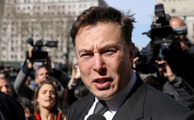 Ni prvič, da se je Elon Musk znašel v sodnem postopku zaradi svojih objav na twitterju. FOTO: Brendan McDermid/Reuters