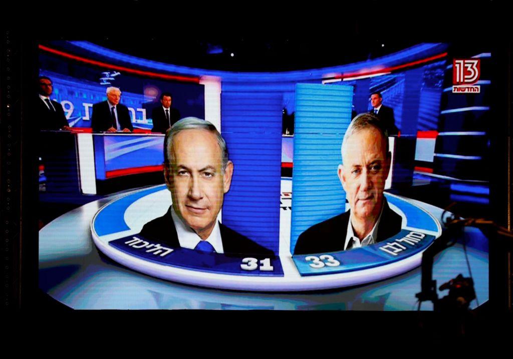 Vzporedne volitve kažejo na tesno tekmo Netanjahuja in Ganca