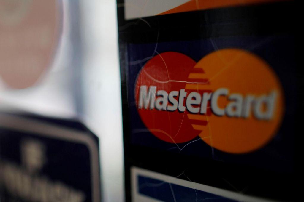 Brezstično plačevanje brez številke PIN po novem do 25 evrov