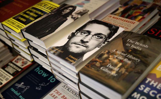 Snowden v knjigi opisuje svojo zgodbo in pojasnjuje, zakaj je tvegal lastno svobodo, da razkrije nemoralno početje ameriškega državnega aparata. FOTO: AFP