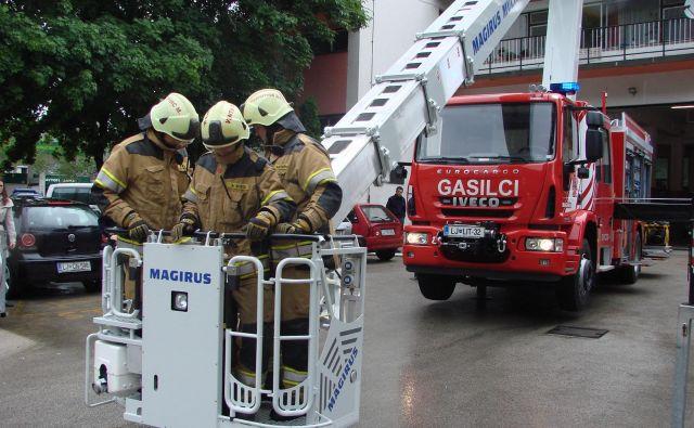 Na območju občline Litija imajo 59 gasilskih operativcev, ti že deveti dan bojkotirajo pogodbo o izvajanju javne gasilske službe. FOTO: Bojan Rajšek/Delo