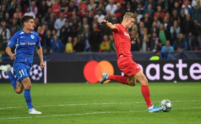 Hiter kot blisk, močan kot bik. Erling Braut Håland je v tej sezoni zabil trojček golov že v vseh tekmovanjih. Foto AFP
