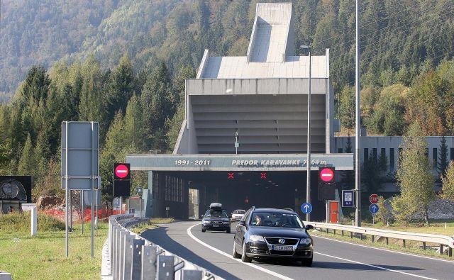 Začetek gradnje vzhodne cevi predora Karavanke še ni znan. Na avstrijski strani gradnja poteka že eno leto. FOTO: Ljubo Vukelič