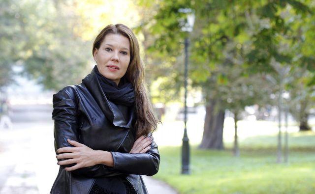 Lucija Božikov izpostavlja, da se bo morala za ustrezno obravnavo tujcev spremeniti tudi normativna ureditev. FOTO: Mavric Pivk