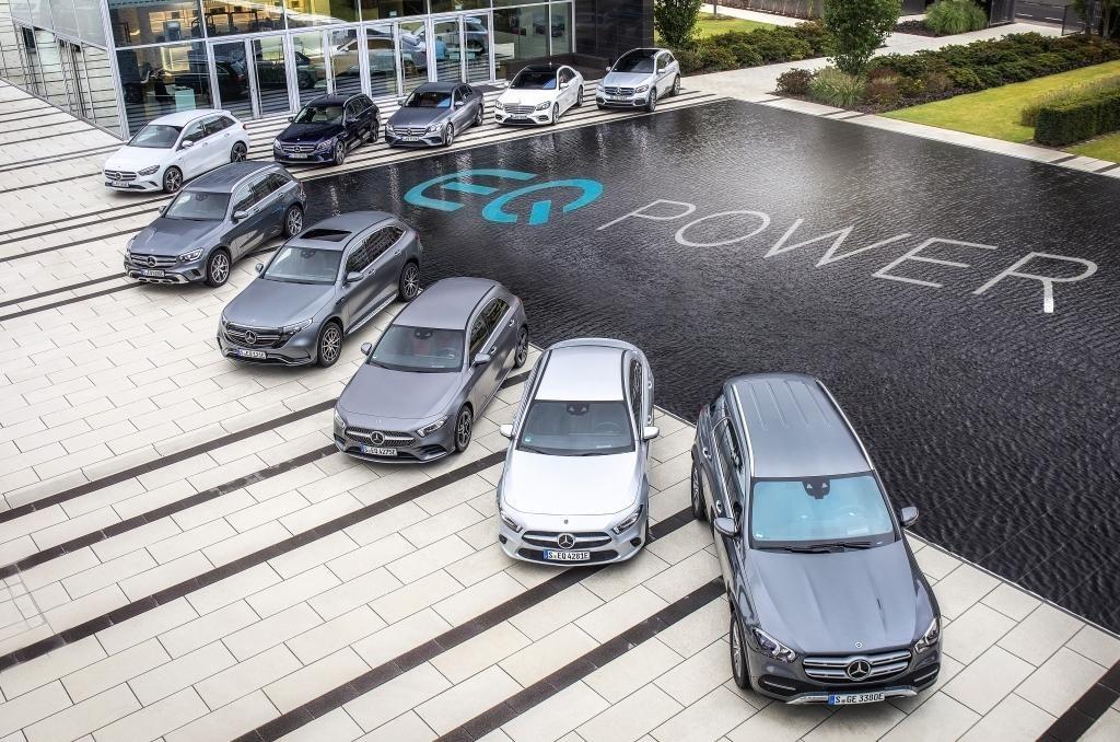FOTO:Mercedesova hibridna ofenziva