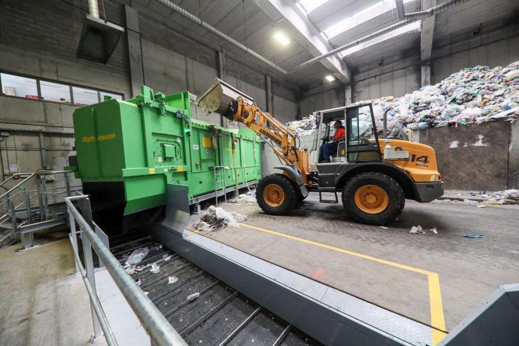 FOTO:Nova tehnologija za manj odlaganja in sežiganja