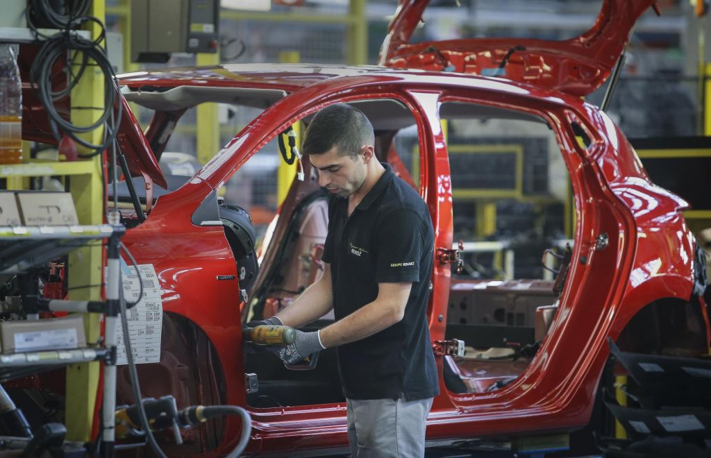 Mrk avtomobilske industrije pred vrati Slovenije