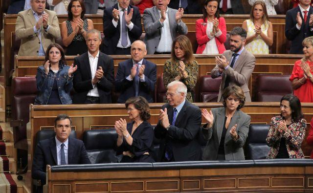 Španski poslanci in senatorji »bodo (zopet) brez dela«. FOTO: Sergio Perez/Reuters