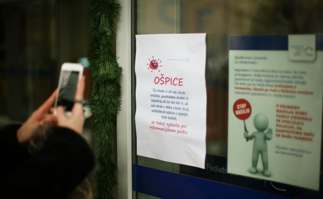 Na Nacionalnem inštitutu za javno zdravje (NIJZ) menijo, da je zaščita pred ošpicami v Sloveniji relativno dobra. FOTO: Jure Eržen/Delo