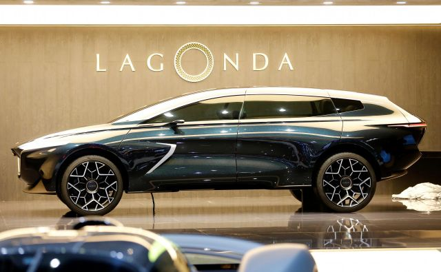 Športni terenci so pomemben del ponudbe vseh znamk, tudi prestižnih. Takšen bi bil glede na konceptno zamisel SUV Lagonde, mogoče prihodnje podznamke Aston Martina. FOTO: Reuters