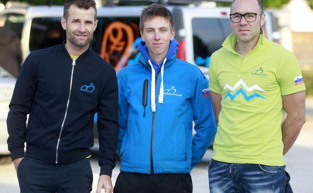 Selektor Andrej Hauptman (levo) v mešani ekipni vožnji na čas pri fantih stavi na Tadeja Pogačarja (v sredini) in Jana Tratnika, ne pa tudi na Primoža Rogliča, ki potrebuje počitek. FOTO: Roman Šipić