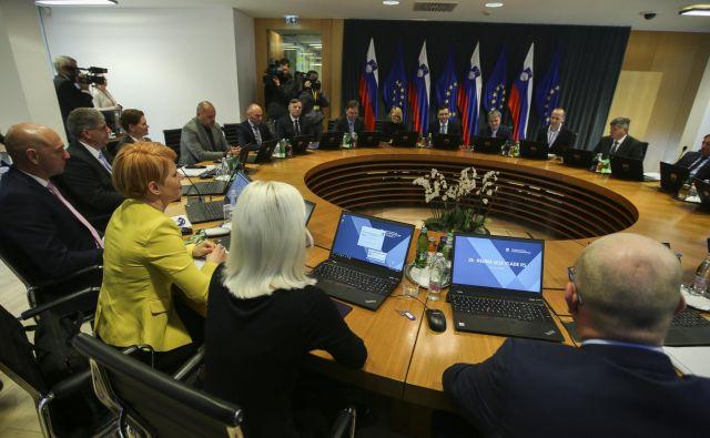 Vlada za dokončno sprejetje proračunov v parlamentu potrebuje tudi podporo Levice. FOTO: Jože Suhadolnik/Delo