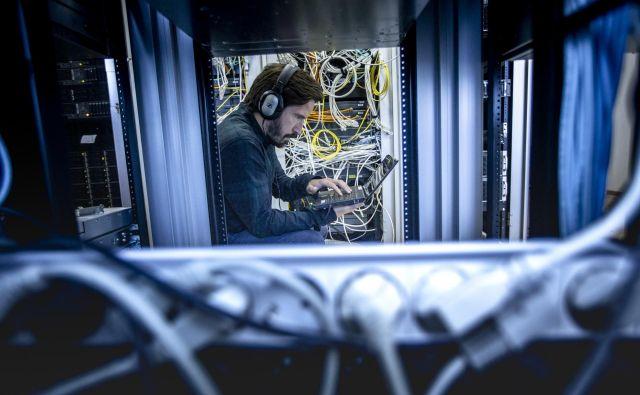 Ne da bi vedeli, se lahko kdo okorišča z vašim računalnikom in povzroča emisije. FOTO: Voranc Vogel/Delo