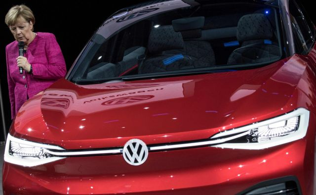 Vlada si je zadala cilj, da bo do leta 2030 po nemških cestah vozilo od sedem do deset milijonov električnih vozil. Foto: AFP