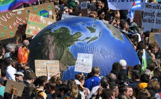 Na dan podnebnih protestov je nemška vlada dosegla dogovor o 50 milijard evrov vrednem paketu podnebnih ukrepov. FOTO: AFP