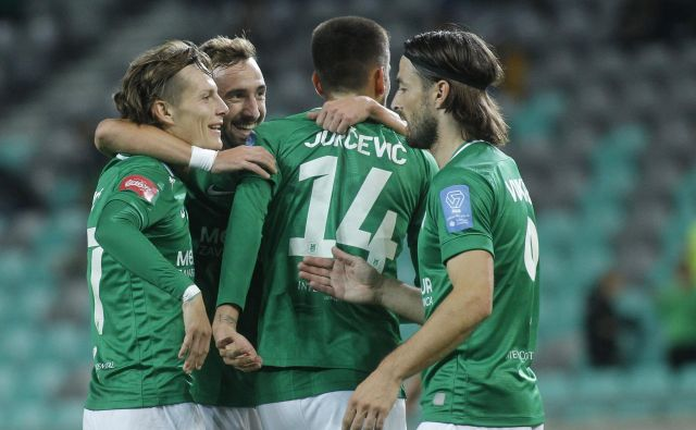 Ljubljančani so se veselili šeste ligaške zmage in druge v mestnem derbiju. FOTO: Mavric Pivk/Delo