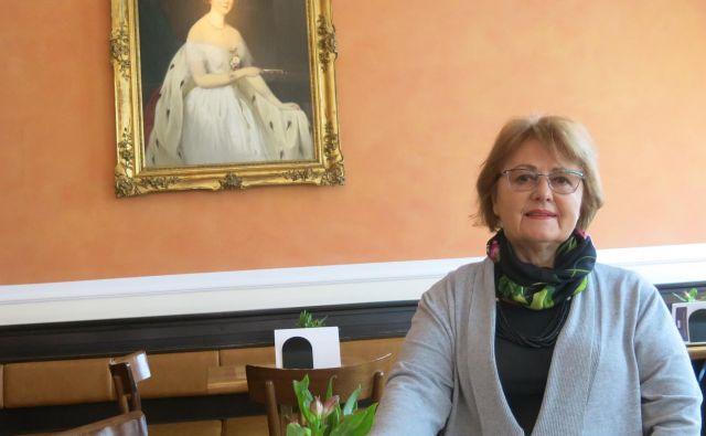 Upokojena magistrica umetnostne zgodovine in profesorica zgodovine že 18 let prostovoljno dela s starejšimi. Foto Zdenko Matoz