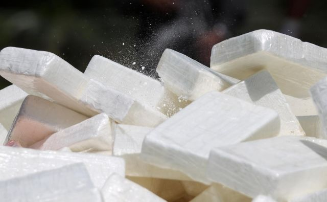 Policija sumi, da sta osumljena z ladjo prepeljala kokain s Karibov na Portugalsko 23. junija lani. FOTO: Reuters