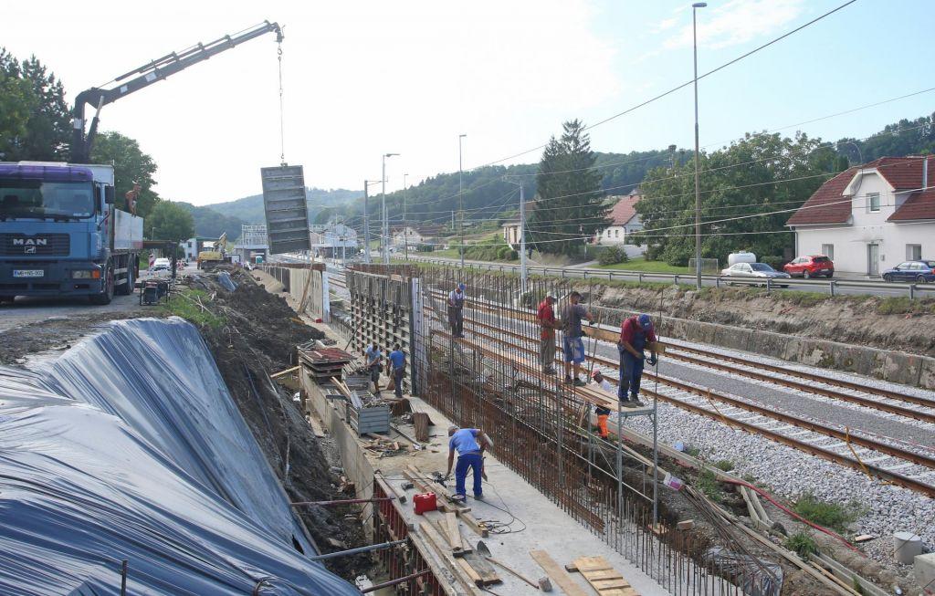 Konzorcij slovenskih podjetij je dobil stomilijonski posel na železnici