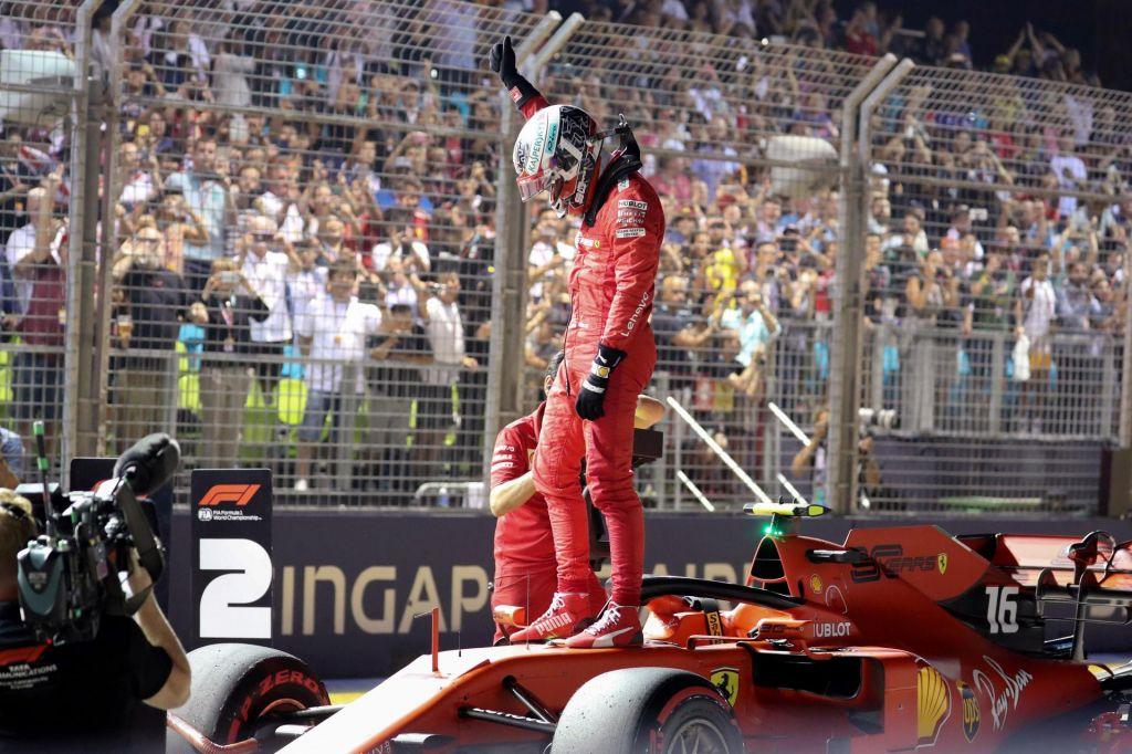 Leclerc tudi v Singapurju z najboljšega položaja