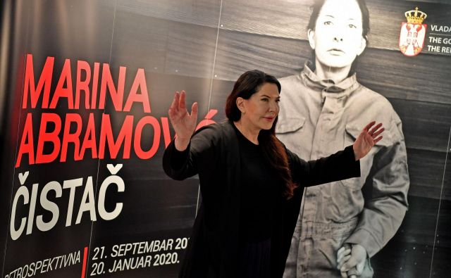 Marina Abramović je tiskovno konferenco sklicala ob 6.23. FOTO AFP