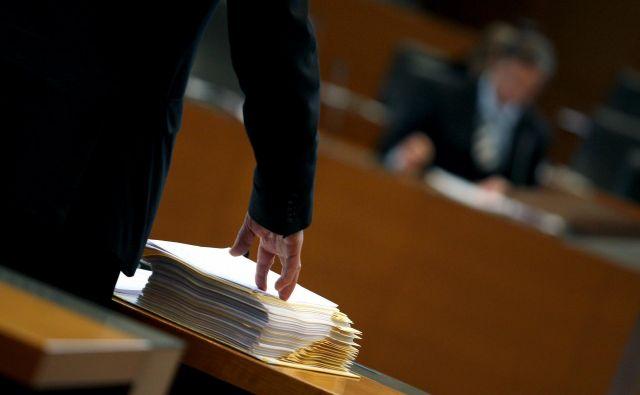 Ministrstvo za javno upravo, ki vodi postopek, bo o tem obvestilo vse prijavljene kandidate. FOTO: Roman Šipić/Delo