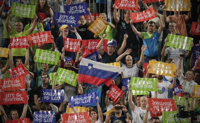 Gledalci in navijači med četrtfinalno tekmo Rusija – Slovenija. FOTO: Uroš Hočevar/Delo