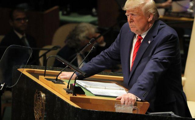 »ZDA nočejo konflikta z nobeno državo, želijo si miru, sodelovanja in pridobitev za vse,« je poudaril Donald Trump. FOTO: Reuters