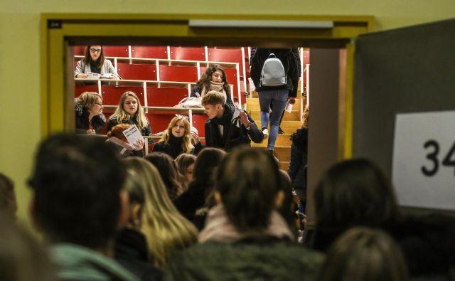 Poslanci so enotno kot le redko kdaj podprli spremembe zakona o skupnosti študentov. FOTO: Voranc Vogel/Delo