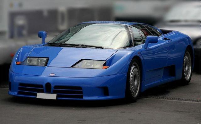 Bugatti EB 110 je bil s ceno 690.000 nemških mark, dvanajstvaljnikom s štirimi turbopolnilniki in štirikolesnim pogonom ena najbolj avantgardnih avtomobilskih stvaritev svojega časa. FOTO: Wikimedia