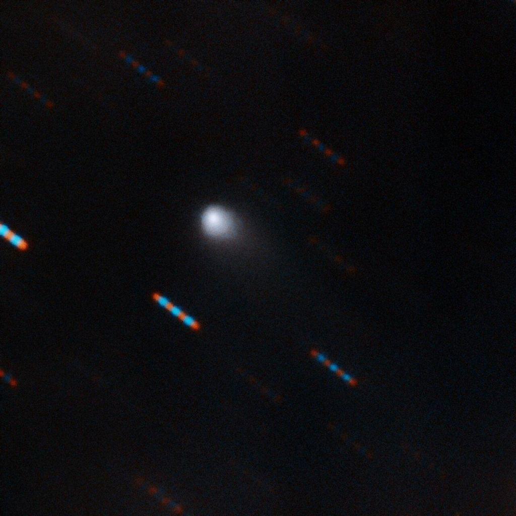 Medzvezdni komet našel s teleskopom, ki ga je sestavil sam