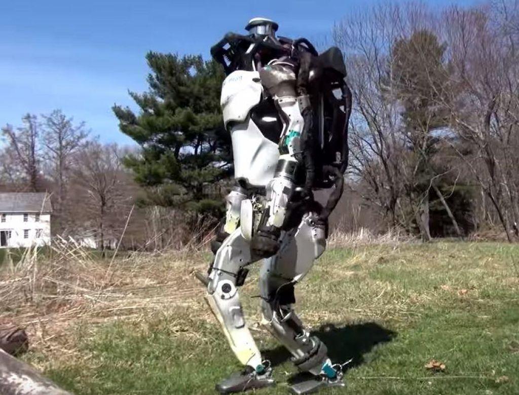 Robot »obvlada« tudi gimnastiko (VIDEO)