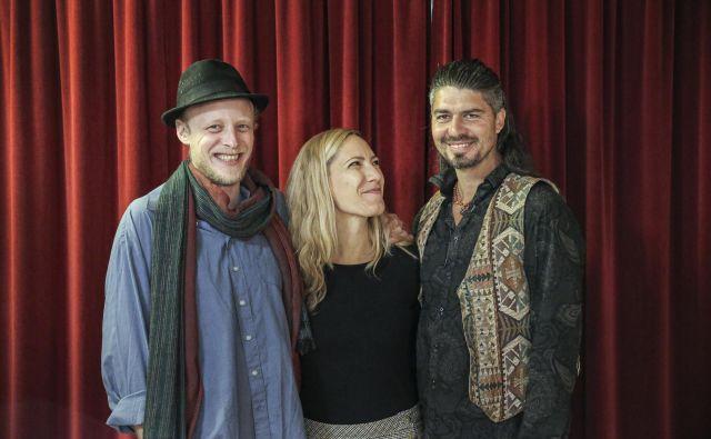 Wild Strings Trio so Toby Kuhn, Petra Onderufova in Aleksander Kuzmić.<br /> Foto Jože Suhadolnik